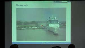 lock-boat.jpg